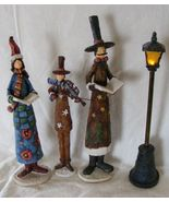 Christmas Carolers with street lamp old fashioned Christmas decoration - $6.99