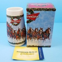 2009 Budweiser Stein Noël Tasse Cadeau Boîte Et COA Un Vacances Traditio... - $18.83