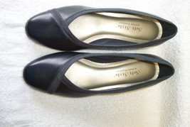 Hush Puppies, Soft Style,short heels, Size 7.5 N - $19.83