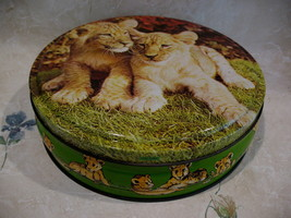 Vintage British ENGLAND Biscuits Cookie Tin Baby LIONS CUBS Souvenir Col... - $14.95