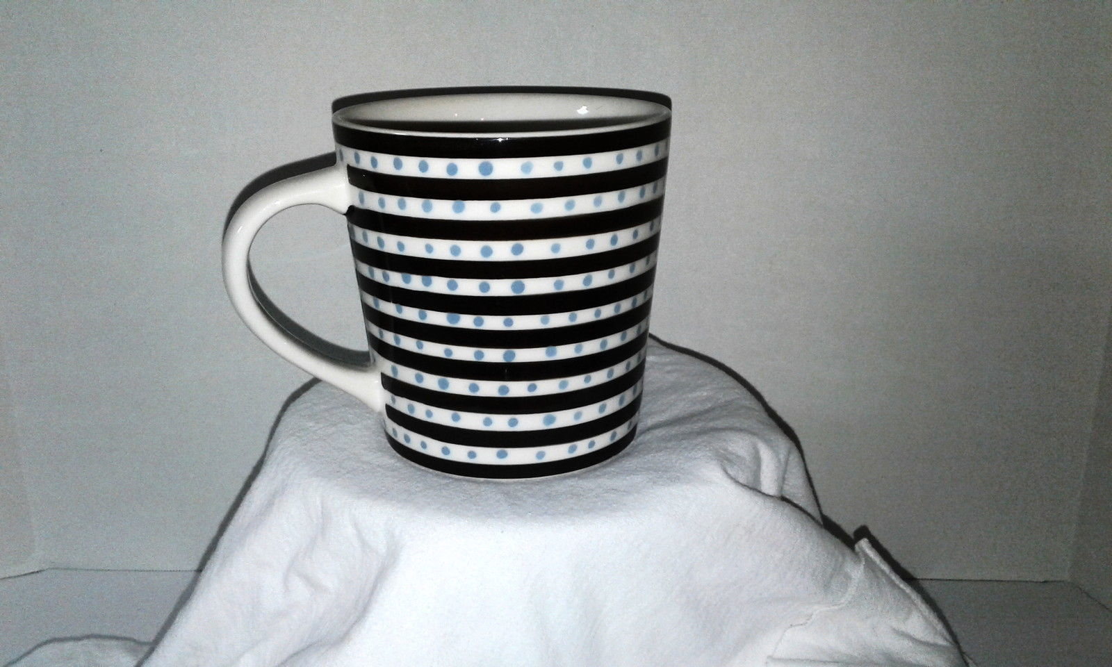 2004 Starbucks Mug Unique Only one available anywhere 16 floz Brown Blue White