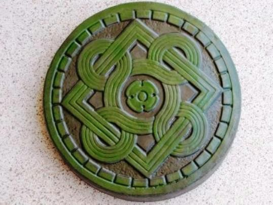 "14"" Celtic Stepping Stone Garden Mold - Buy Three 14"" Molds - Get 1 More Free!"