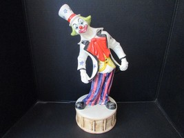 COLLECTIBLE FIGURINE CAPODIMONTE LG 17.5 CLOWN  BLUE STARS ATOP DRUM ITALY - $36.95