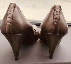 Women's PRADA Dark Grey Calf Leather Thin Heel Pump Shoes Size 391/2 image 3