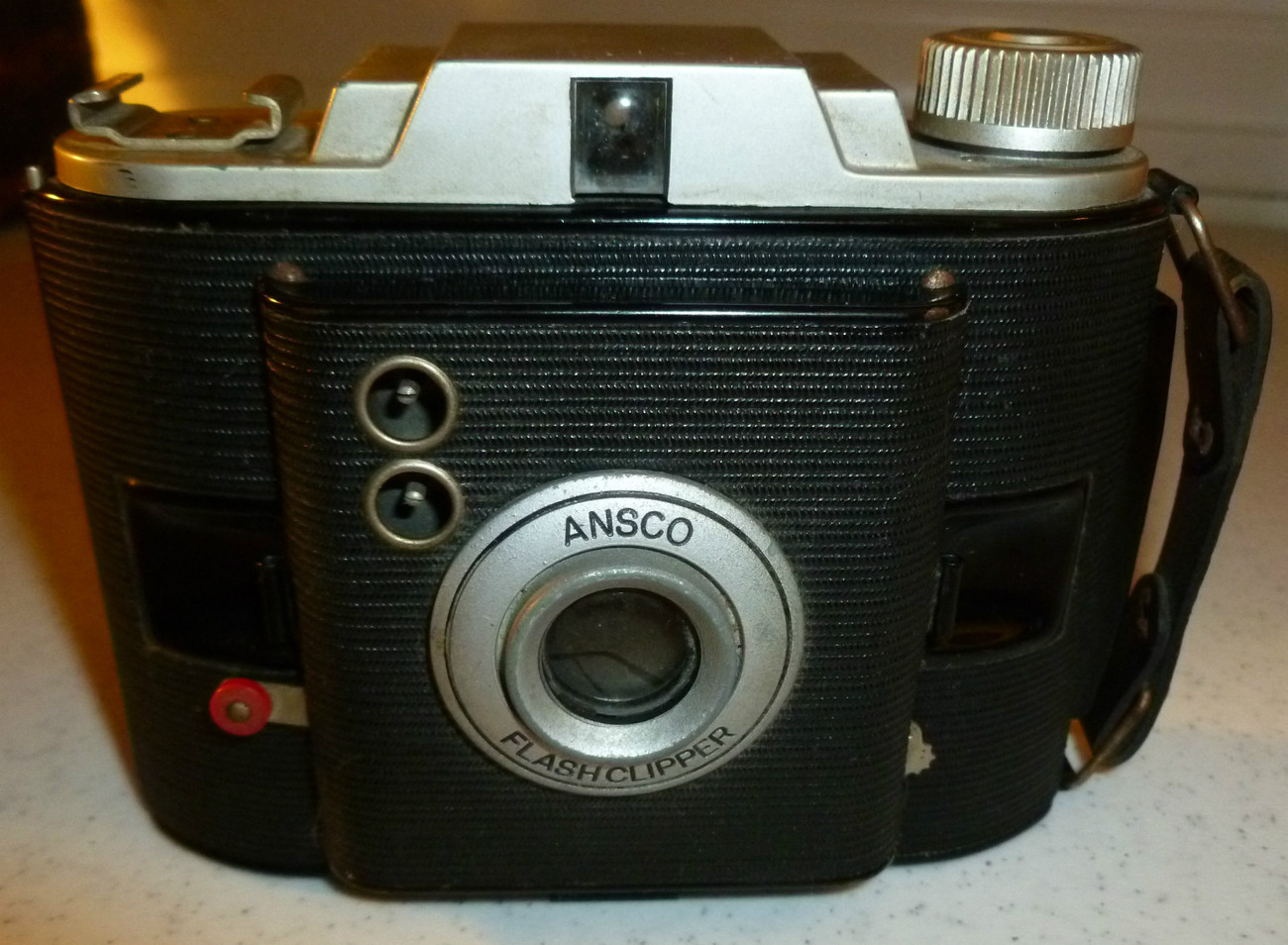 VINTAGE ANSCO FLASHCLIPPER 1940'S CAMERA