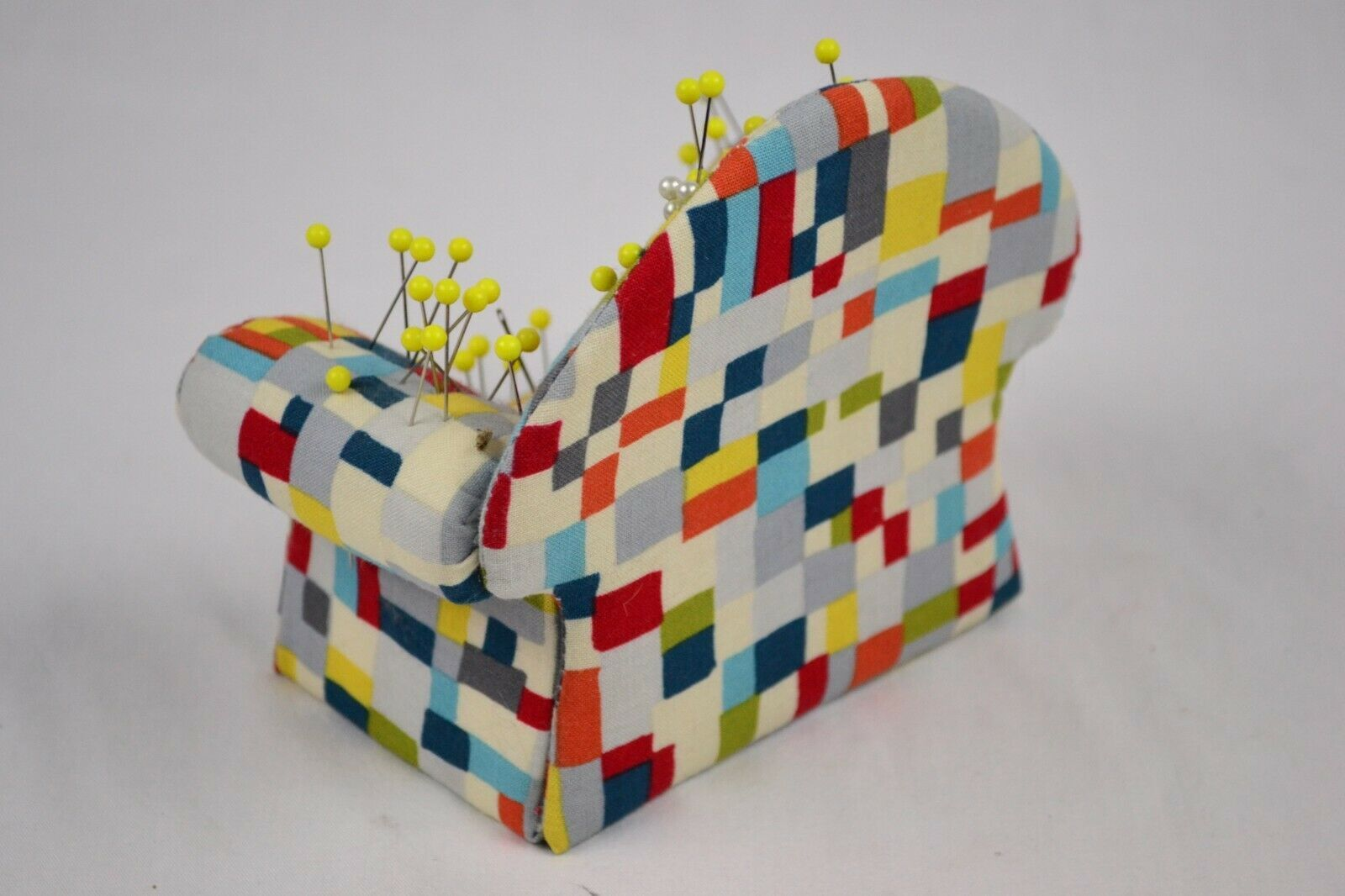 Couch Pin Cushion With Pins, Cute image 3