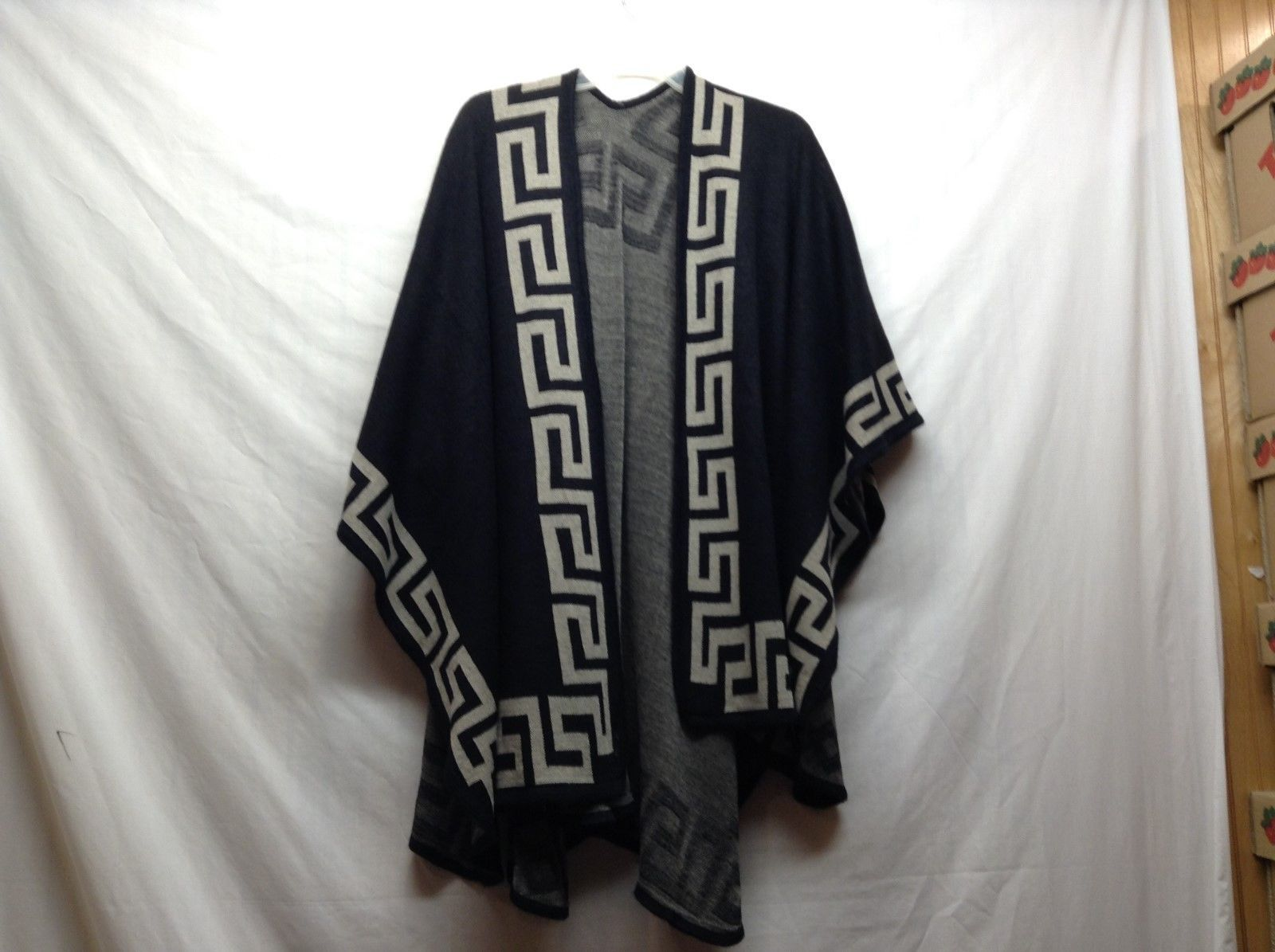 NEW Accent Accessories Black w Patterned Edge Shawl
