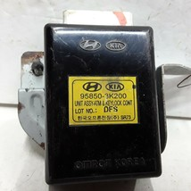 09 10 Hyundai Sonata transmission shift control lock module OEM 95850-3K200 - $24.74