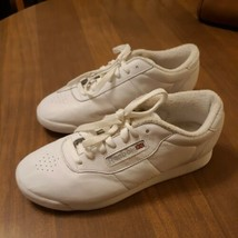 Reebok Princess 1475 Classic Shoe for Women Size 8  White - $39.20