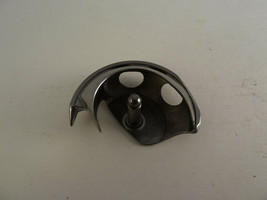 ORIGINAL Shuttle Hook Singer 15-88 15-90 15-91 15-125 Sewing Machines 12... - $12.60