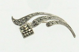 VINTAGE STERLING SILVER SPARKLING ROUND & SQUARE MARCASITE SWIRL PIN BROOCH - $26.99