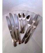 Silverplate onieda queen bess tudor plate 9 pieces 01 thumbtall