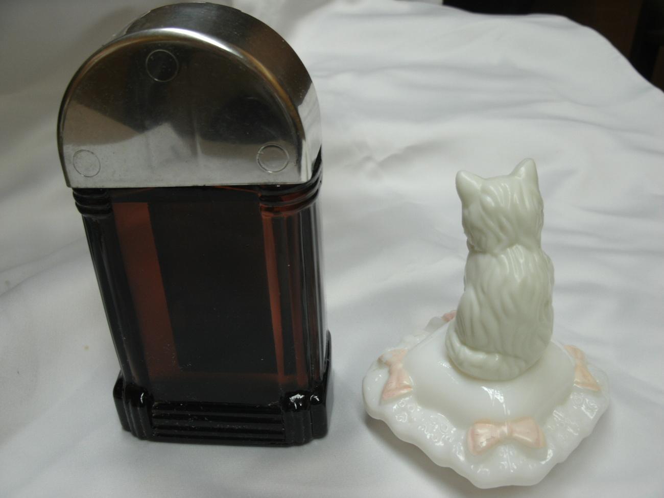 AVON JUKEBOX w/Sweet Honesty & SITTING PRETTY Kitty Cat Collectible Cologne Bott