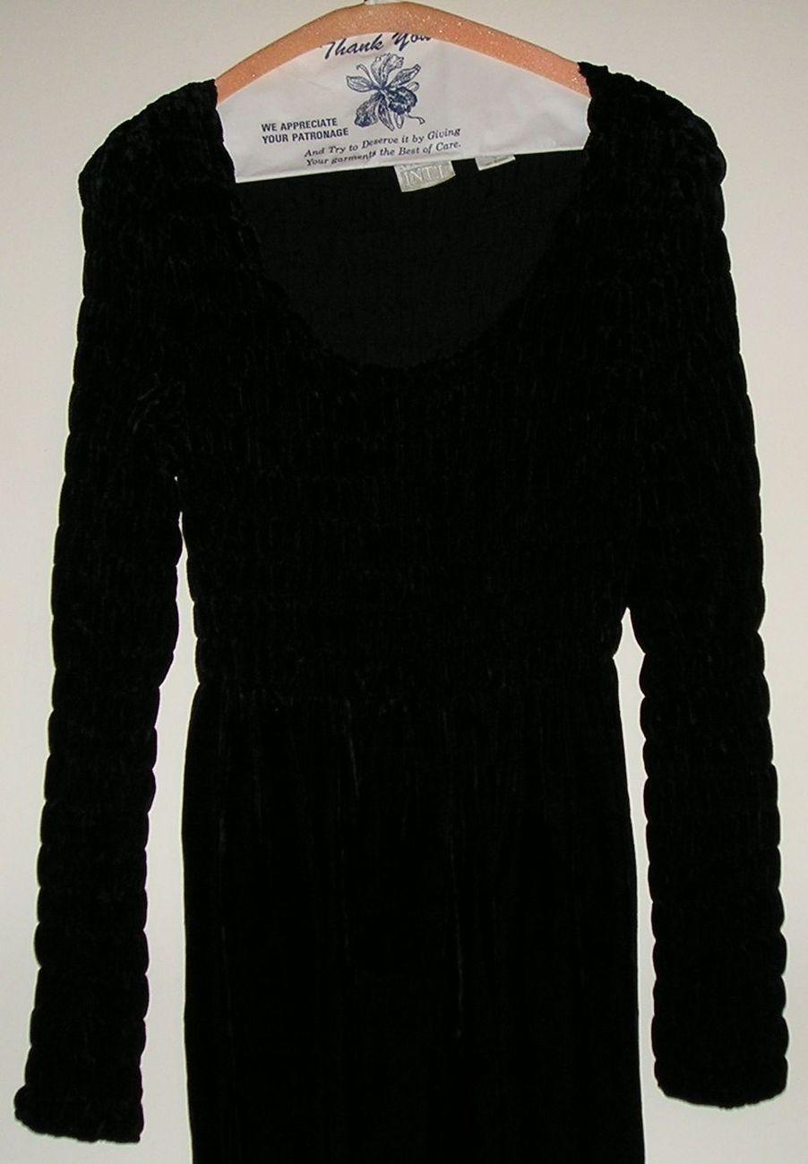 MODA INT'L INTERNATIONAL Women's Black Velour Long Dress S Small / 6 - 8 MINTY