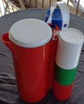 Vintage Ingrid Plastic Pitcher with Six Plastic Mugs - Clever Carry Hand... - $39.59