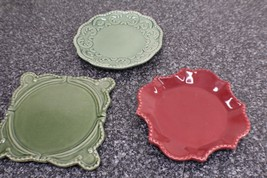 California pantry classics 1 red dish, 1 green dish, 1 green trivet - $10.00