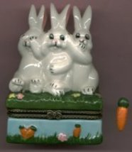 3 NO EVIL BUNNY RABBIT HINGED BOX - £8.48 GBP