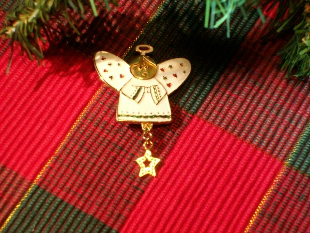 Cookie Lee Angel Brooch - Item #63094 - New!
