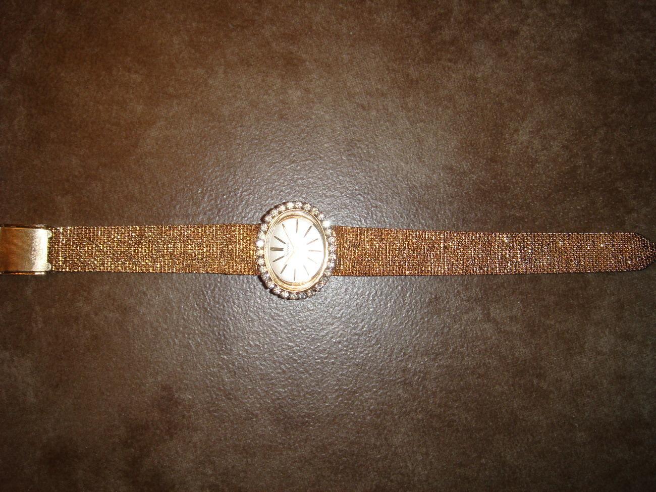 Lucerne17-jewel Swiss 10K manual windup ladies' watch vintage 1950s