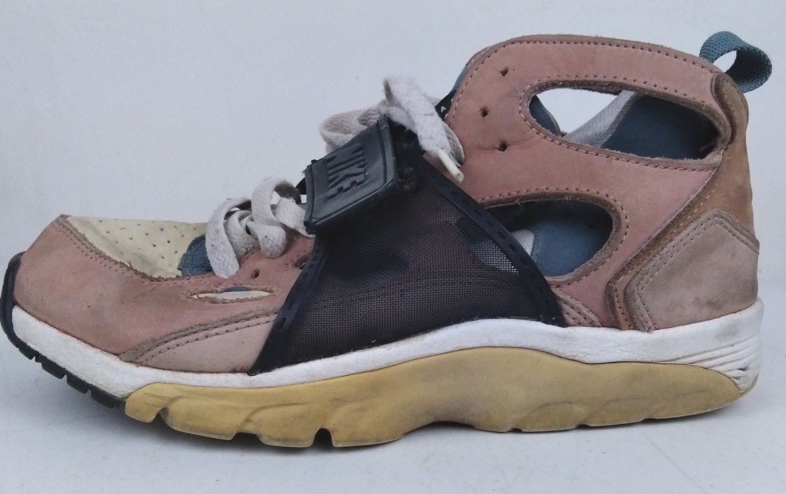 59a8a25123f3 Vtg 2003 Nike Air Huarache LE Escape Bisque and 13 similar items. S l1600