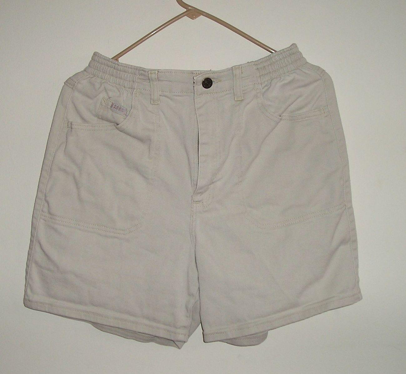 Lee women s beige shorts sz 8 m  1