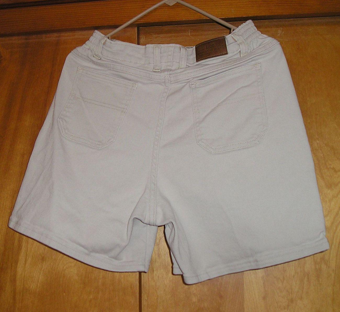 LEE Original Jeans Women's Bone Shorts Size 8 M Medium NICE