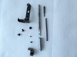 Singer 353 354 'Genie' Sewing Machine Part Presser Bar w Bushings 319758 - $11.00