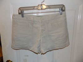 American Eagle Khaki Button Front Shorts Size 4 Women's EUC - $17.94