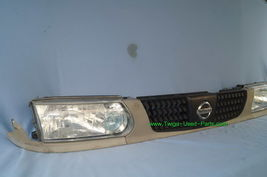 93-94 Nissan Tsuru Sunny Sentra B13 Headlights Head Light Lamps Set L&R w/ Grill image 7