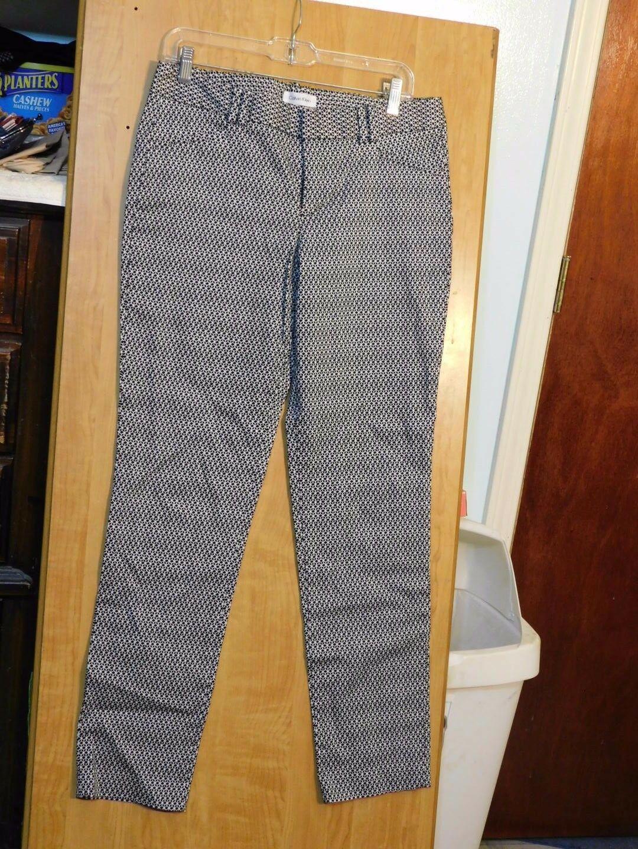 LADIES DRESS PANTS BY CALVIN KLEIN SIZE 10 - $16.85