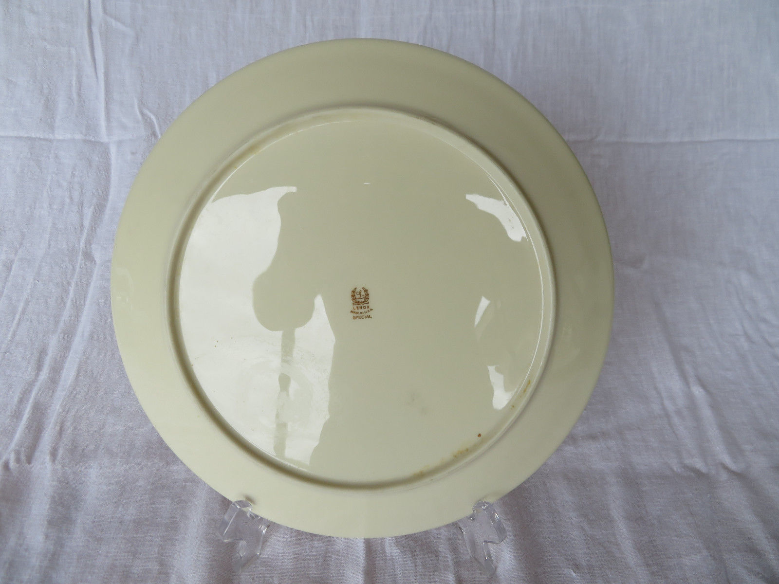 """Vintage LENOX Made In U.S.A. Special Plate motif 10""""1/2 Dia"""