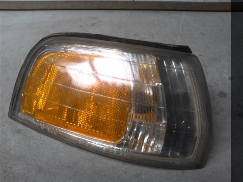 Primary image for Passenger Corner/Park Light Park Lamp-turn Signal Fits 92-93 ACCORD 222202
