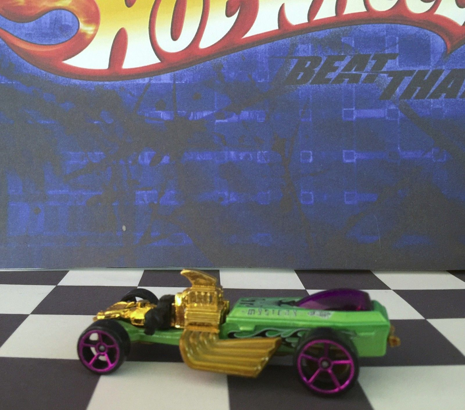 Hot Wheels 2010 Mystery Car 221 Rigor Motor Green o5/pink