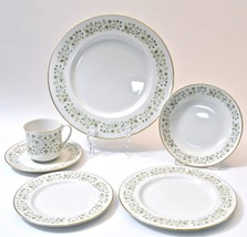 Royal Doulton WESTFIELD 6 Piece Place Setting England 11 Pl Settings Available - $19.95