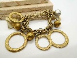 Vintage Gold Tone Victorian Scroll Open Circle Charm Bracelet GG14 - $21.77