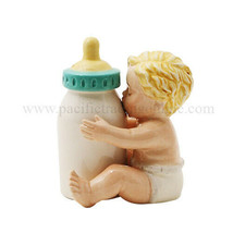 Baby With Bottle Attractives Salt Pepper Shaker Made of Ceramic - £10.04 GBP