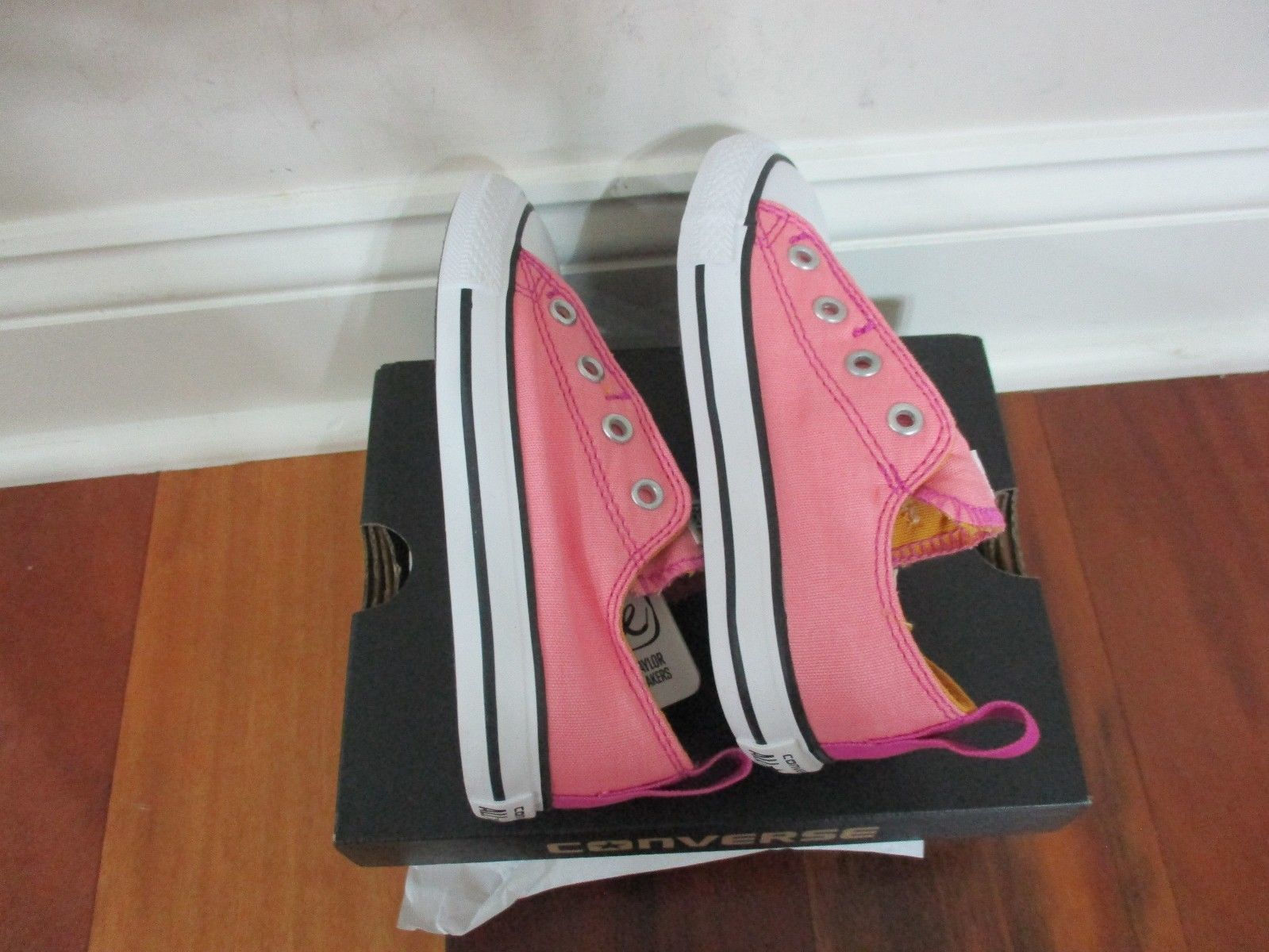 BNIB Converse CTAS Simple SLI Daybreak Pink Infant girl shoes, size 9, lace less