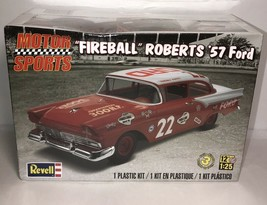 REVELL 85-4024 1/25 1957 FORD FIREBALL ROBERTS NASCAR Model Car Kit SEALED - $26.73