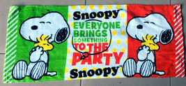 Snoopy & Woodstock Everyone Bring Something To The Party 34 X 80 Cm Cotton Towel - $10.99