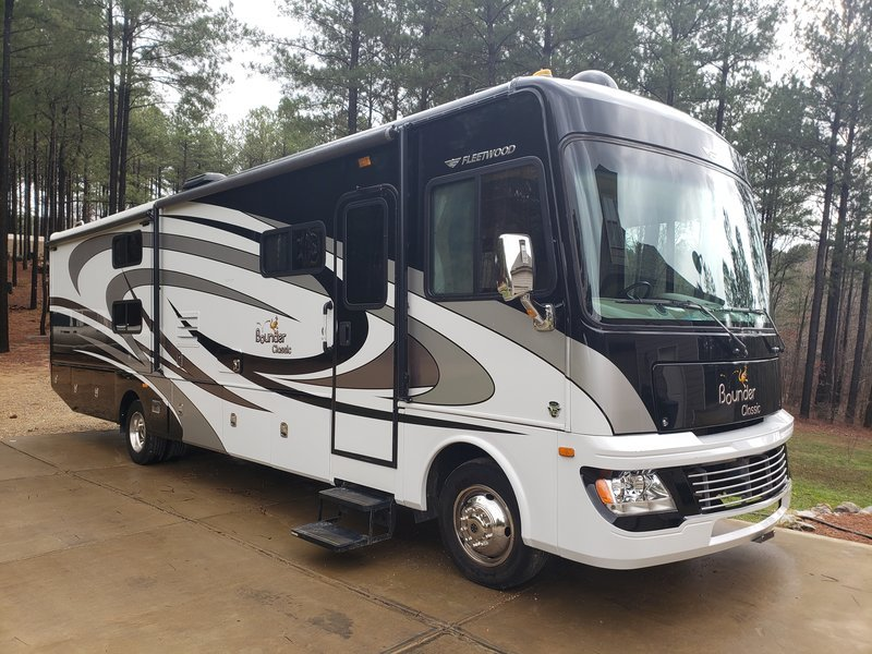 2013 Fleetwood Bounder Classic 34B FOR SALE IN Cartersville, Georgia 30120