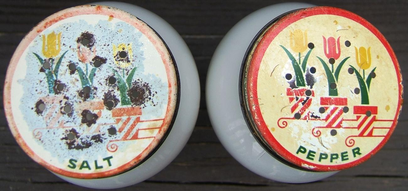 Vintage FIRE KING Tulips Salt Pepper Shakers Original Screw on Metal Lids 1950s