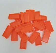 25 Vintage Orange Pressman Domino Rally Dominos Recharge Pièces Pour Set Pièces - $8.60