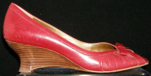 Primary image for Franco Sarto red leather square toe bow scalloped slip on stacked wedges 8M