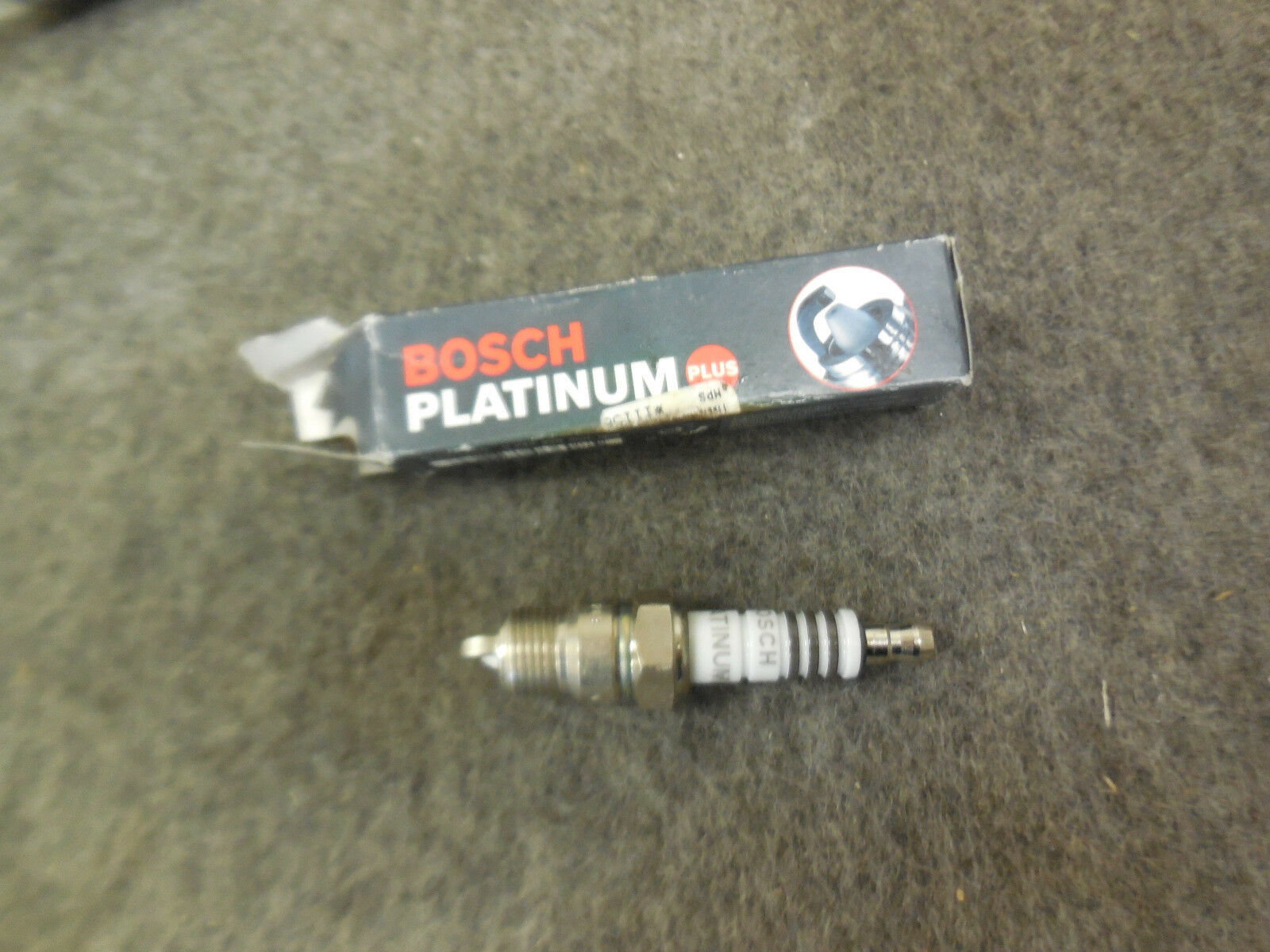 Spark Plug-Platinum Plus Bosch 4008 Pack of 2 New