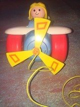 VINTAGE 1980 FISHER PRICE PULL ALONG AIRPLANE & PILOT Pull Toy #171 - $18.50