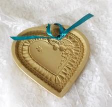Brown Bag Cookie Art Earthenware Cookie/Craft Mold - 1990 Heart w/Strawberries - $14.01