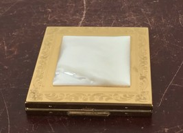 Vintage Elgin American Gold Tone & Mother-of-pearl Powder Compact - $14.03