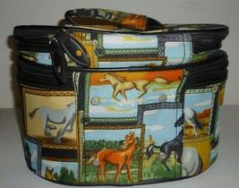Horses Cosmetic Case Bag - $751,52 MXN