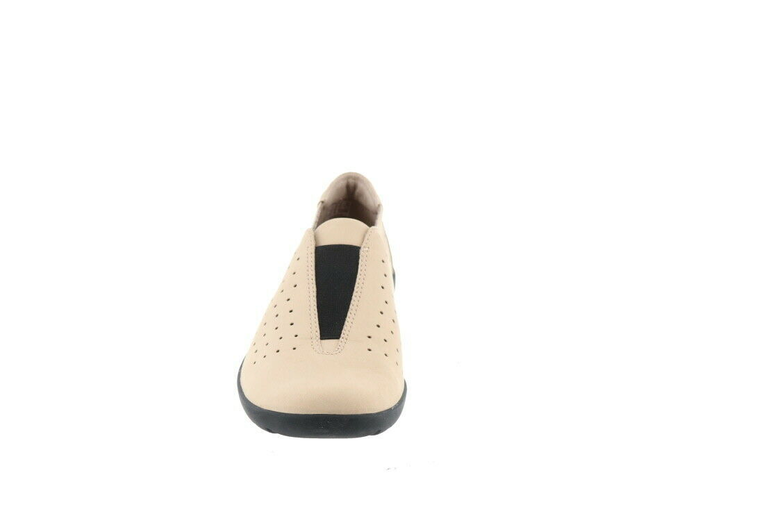 Clarks Perforated Slip-On Shoes Medora Gemma Sand 9.5M NEW A282691