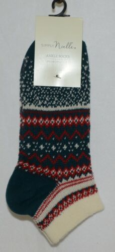 Simply Noelle Ankle Socks Green Red Cream One Size Fits Most